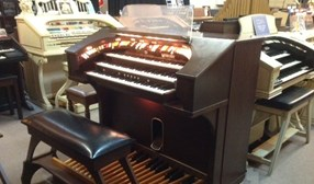 RODGERS TRIO ORGAN MODEL 321