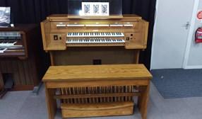 Allen Classical organ model ADC 710T (1987)